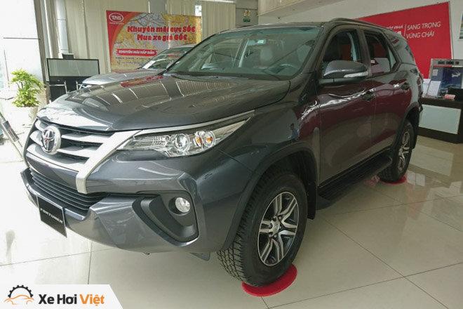 Toyota Fortuner trở lại ngôi vương với 926 xe bán ra trong tháng 8 - 3