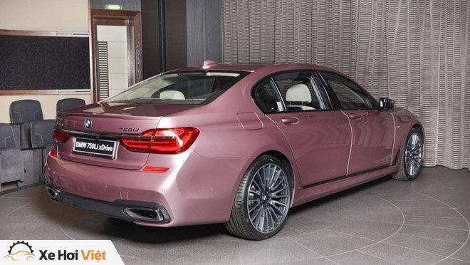 BMW 750Li xDrive cực cá tính với màu sơn hồng phấn - 7