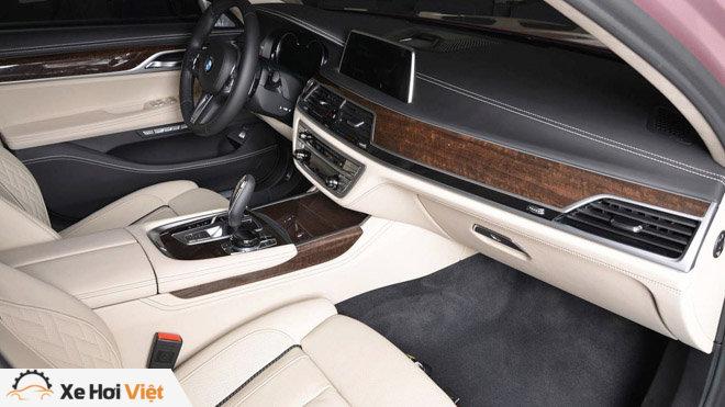 BMW 750Li xDrive cực cá tính với màu sơn hồng phấn - 4
