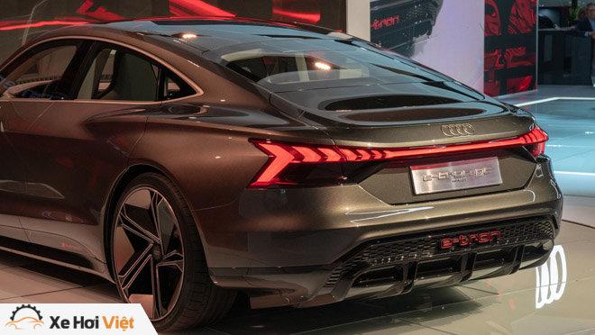 Cận cảnh xe điện Audi E-tron GT vừa ra mắt - 7