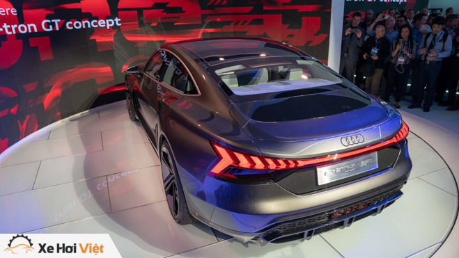 Cận cảnh xe điện Audi E-tron GT vừa ra mắt - 3