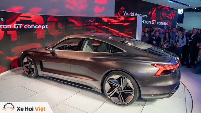 Cận cảnh xe điện Audi E-tron GT vừa ra mắt - 2