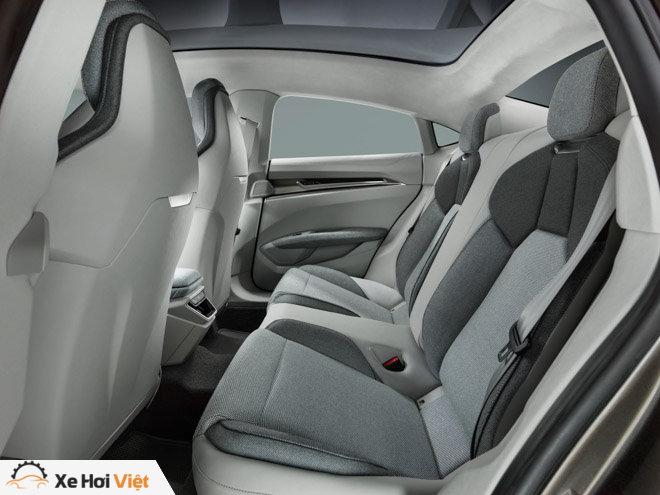 Cận cảnh xe điện Audi E-tron GT vừa ra mắt - 10