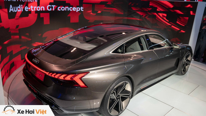Cận cảnh xe điện Audi E-tron GT vừa ra mắt - 4