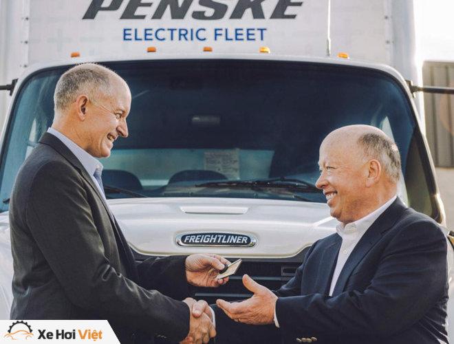 Xe tải chạy điện Freightliner eM2 bắt đầu được triển khai tại Mỹ - 5